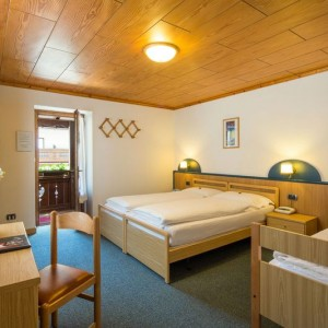 022-garni-ai-serrai-marmolada-hotel