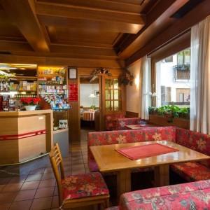 037-garni-ai-serrai-marmolada-hotel